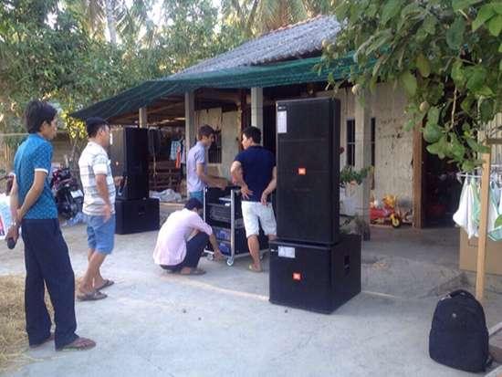 y-tuong-cho-thue-dan-nhac-karaoke-tai-nong-thon