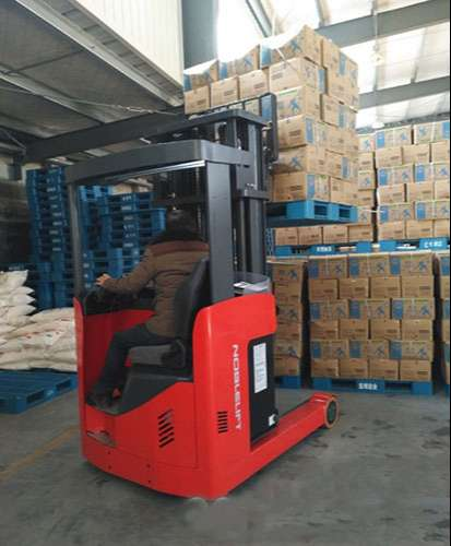 xe-nang-dien-cao-noblelift-reach-truck