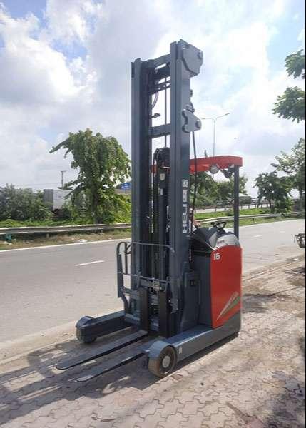 xe-nang-dien-dung-lai-heli-reach-truck