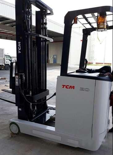 xe-nang-dien-dung-lai-tcm-reach-truck-nhat-ban