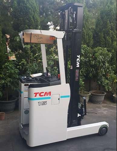 xe-nang-dien-dung-lai-tcm-reach-truck