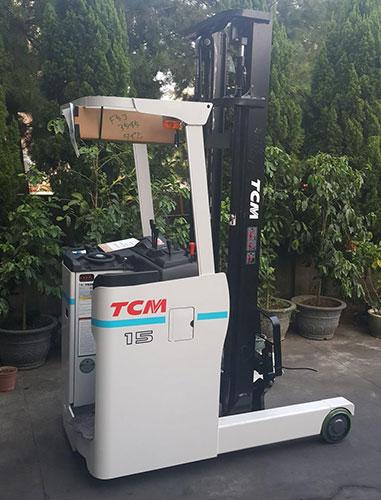Xe nâng điện đứng lái hiệu TCM