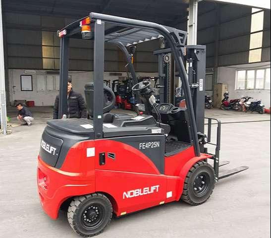 Diễn đàn rao vặt: Xe nâng điện Noblelift ngồi lái giá cạnh tranh số 1 thị trường Xe-nang-dien-noblelift