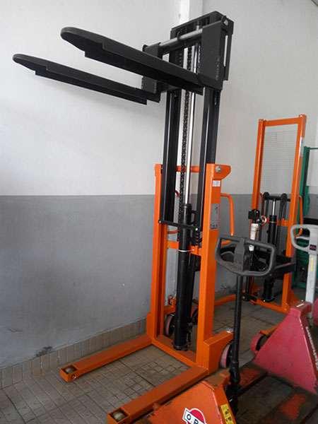 Máy móc công nghiệp: Báo giá xe nâng tay cao 400kg - 3 tấn Xe-nang-tay-cao-thuy-luc